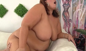 Immense Honey Blows a Guy and Gets Her Fat Pussy Fucked