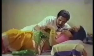 Indian Maid screwing with the brush boss around larder (new)