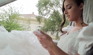 Glamorous bride amirah sucks a chunky unchanging dick and receives pussy drilled