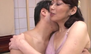 Japanese housewife with glasses gets fucked hooey deep